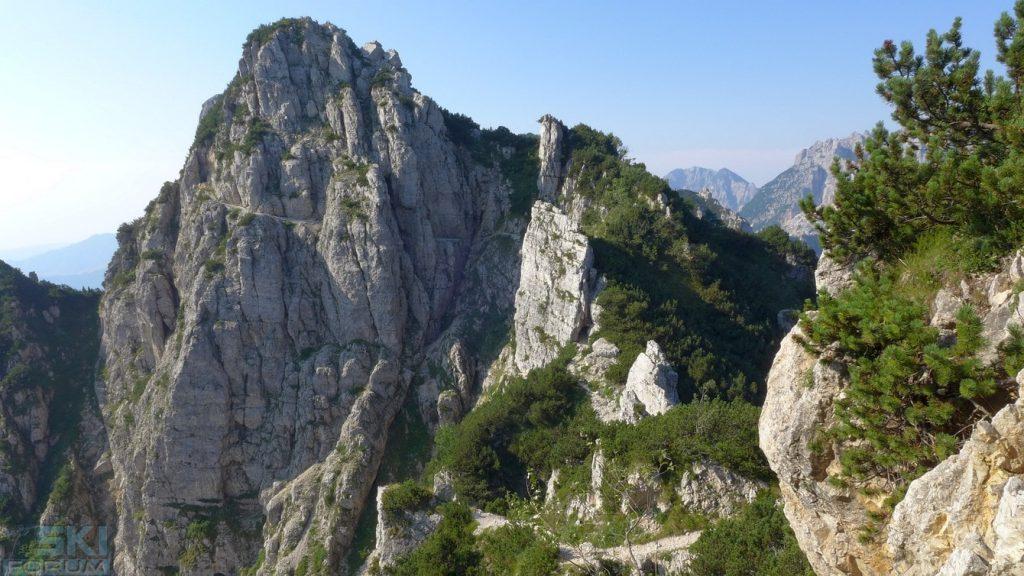 foto panoramica del sentiero di arroccamento