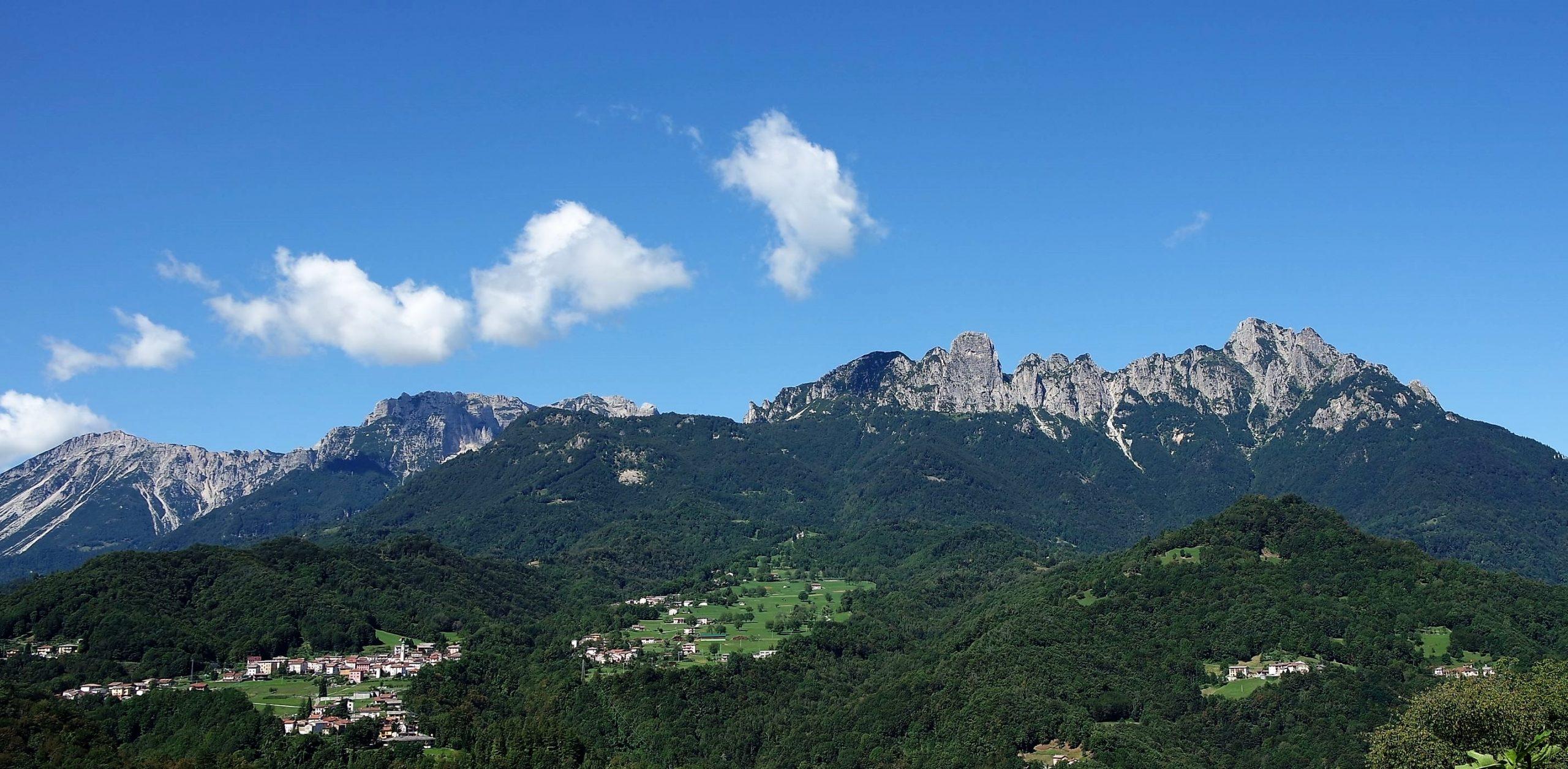 panoramica di staro e monti